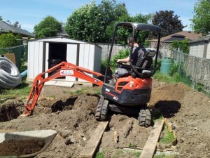 (3) Still digging